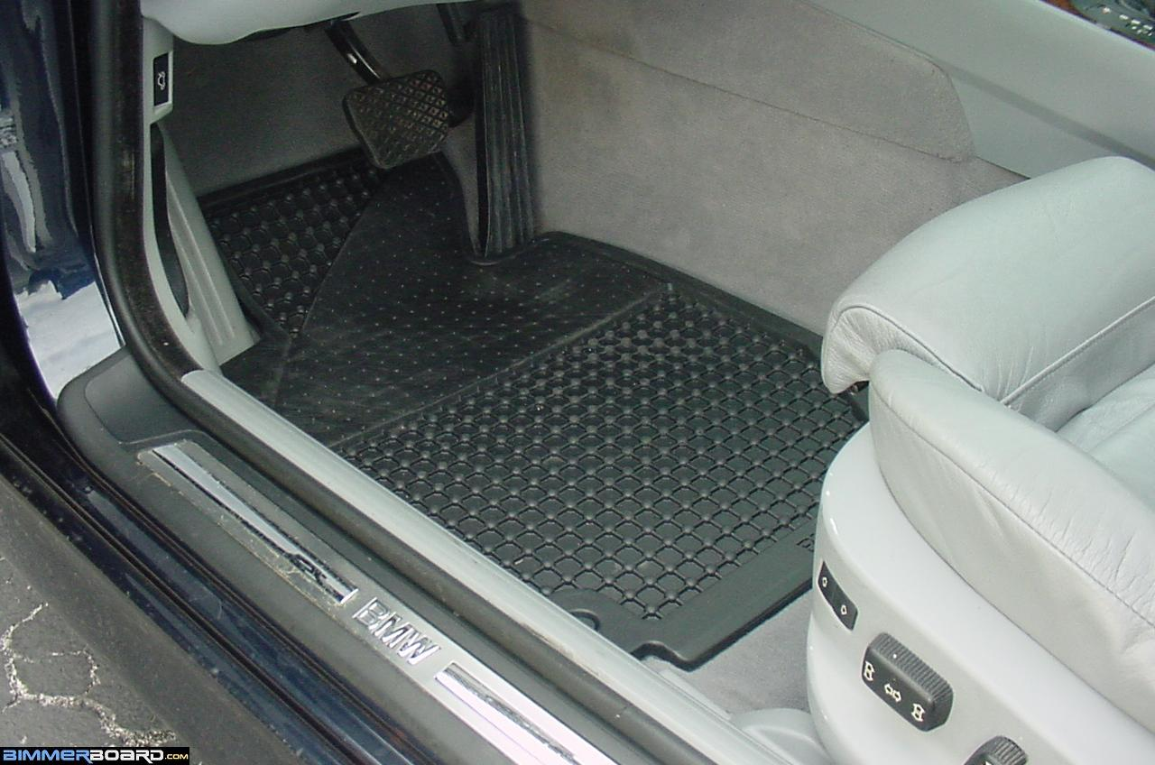 Bmw rubber floor mats e90 - You Can See The Depth Of The Rubber Mats And How Much Melted Snow Fluid The Mats Can Hold