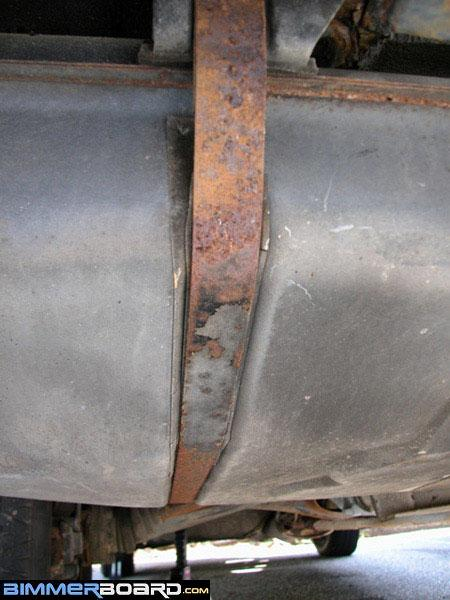 Replacing Gas Tank Straps -- Write Up & Pics